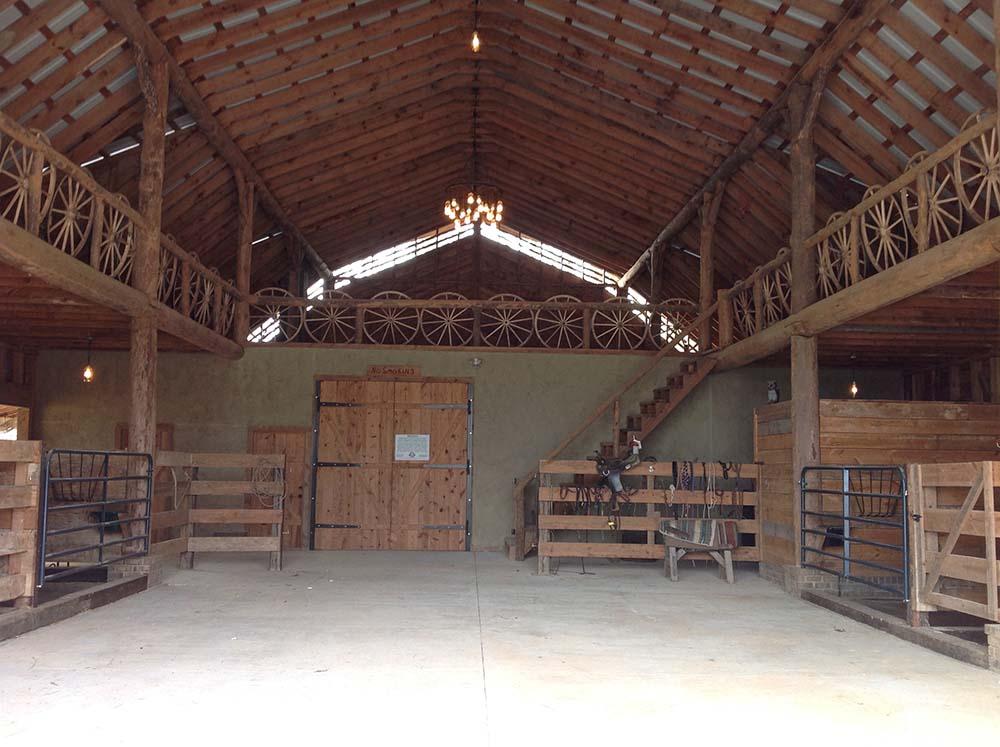 Barn interir simple barn interior at witton hall farm for Barn interior design